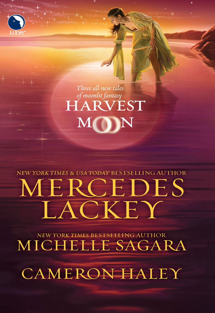 Michelle Sagara Harvest Moon: A Tangled Web / Cast in Moonlight / Retribution julie hogan tangled sheets tangled lies